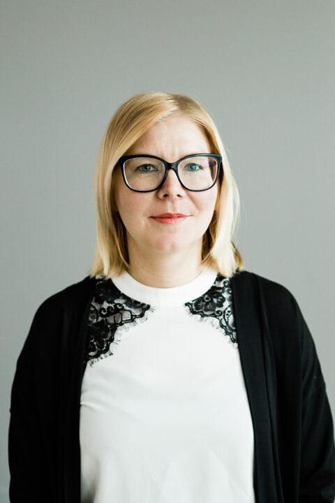 Elina Pokin kasvokuva